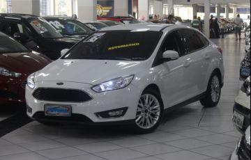 Ford Focus 2.0 SE Plus Fastback 16v