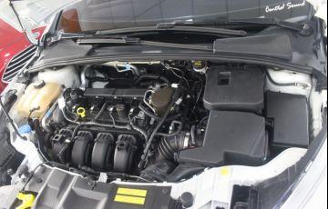 Ford Focus 2.0 SE Plus Fastback 16v - Foto #4