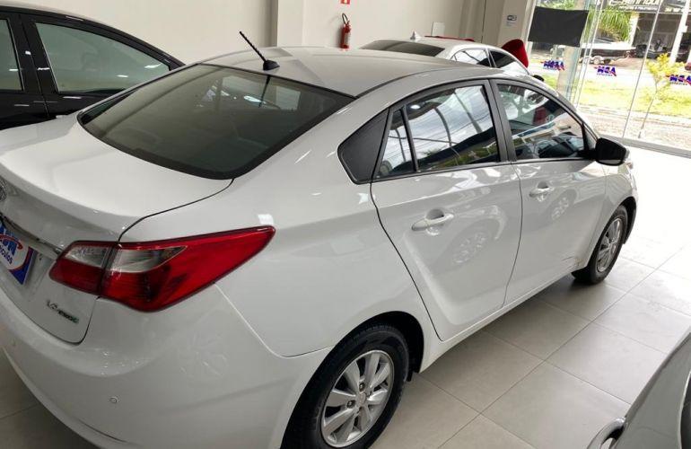Hyundai HB20S 1.6 Comfort Plus - Foto #6