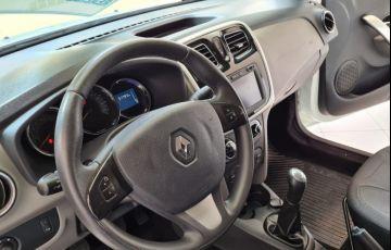 Renault Logan 1.6 Dynamique 8v - Foto #2