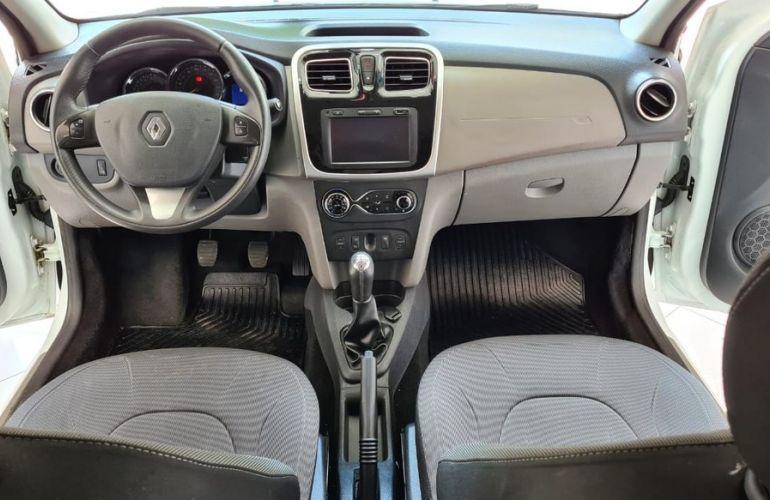 Renault Logan 1.6 Dynamique 8v - Foto #10