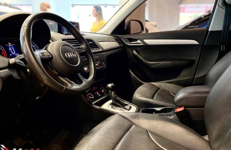 Audi Q3 2.0 TFSI Ambition S Tronic Quattro - Foto #7
