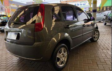 Ford Fiesta Hatch Personnalité 1.0 8V - Foto #6