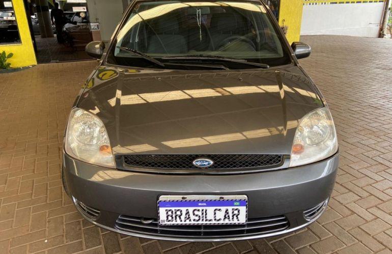 Ford Fiesta Hatch Personnalité 1.0 8V - Foto #2