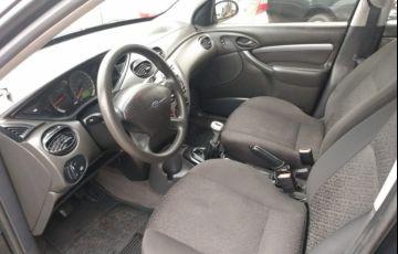 Ford Focus Sedan GLX 1.6 8V - Foto #7