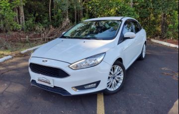 Ford Focus Fastback SE 2.0 PowerShift - Foto #1