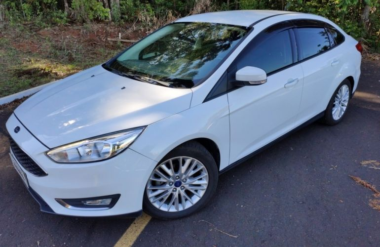Ford Focus Fastback SE 2.0 PowerShift - Foto #2