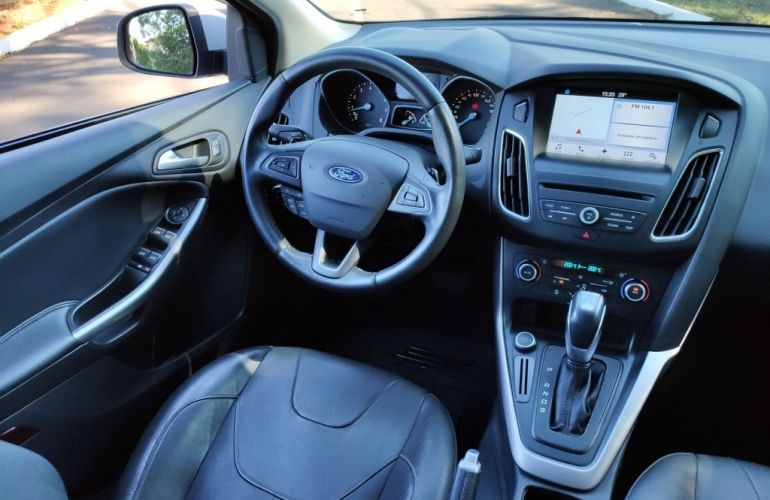 Ford Focus Fastback SE 2.0 PowerShift - Foto #9