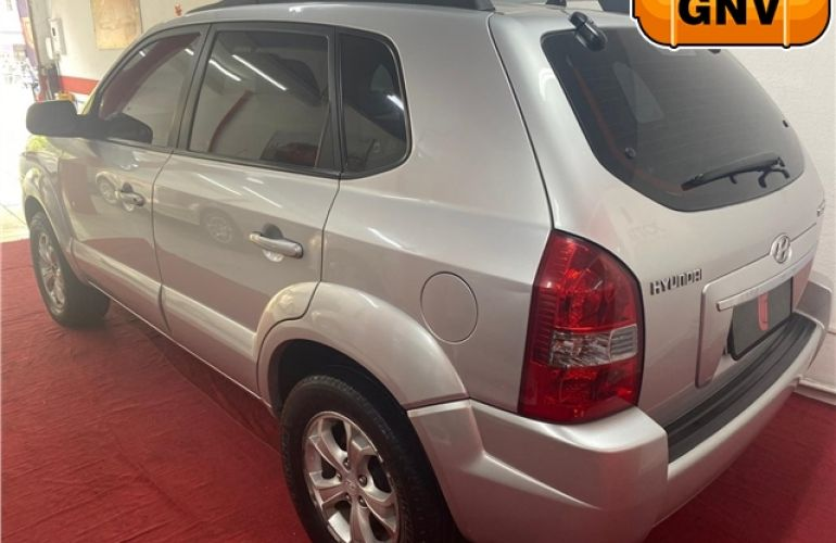 Hyundai Tucson 2.0 MPFi GLS 16V 143cv 2WD Gasolina 4p Automático - Foto #3
