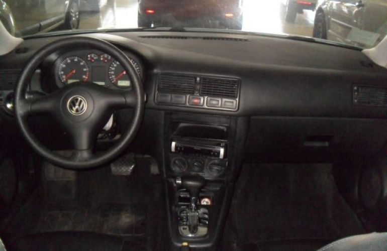 Volkswagen Golf 2.0 Mi 8V - Foto #6