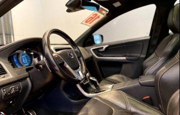 Volvo XC60 2.0 T5 Drive-E R-Design - Foto #2