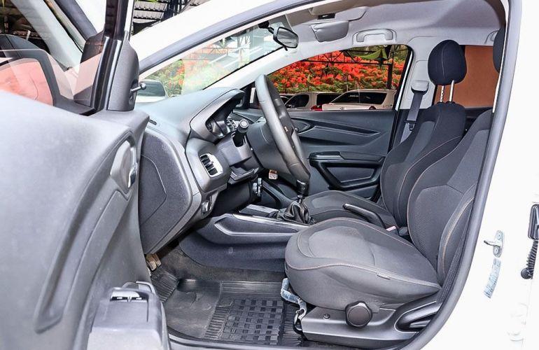 Chevrolet Onix 1.0 MPFi LT 8v - Foto #9