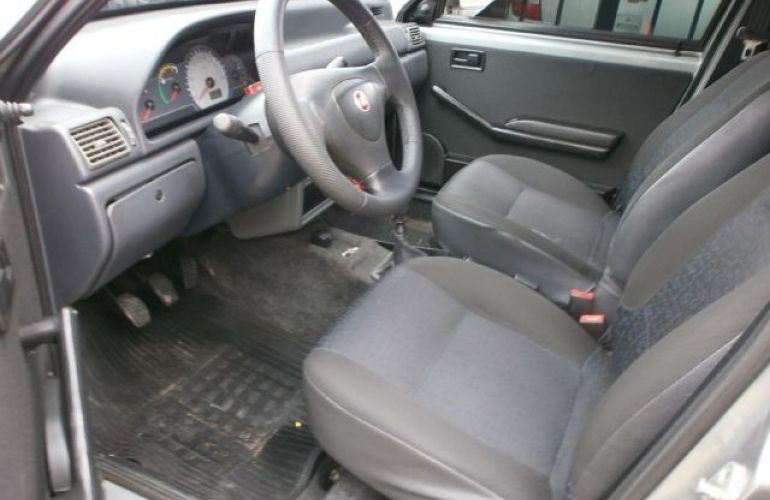 Ford Fiesta 1.6 MPi Sedan 8v - Foto #9