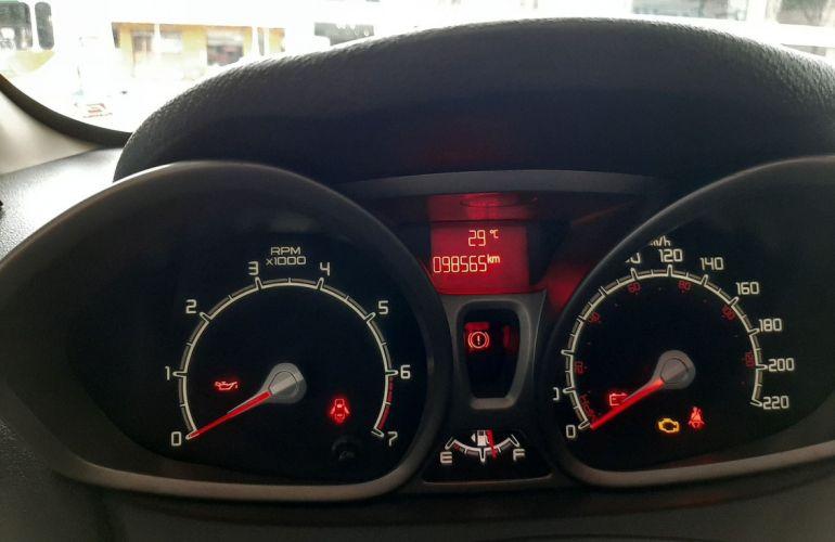 Ford Fiesta 1.6 SE Sedan 16v - Foto #1