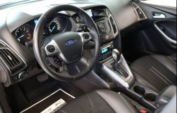 Ford Focus SE 2.0 PowerShift - Foto #8