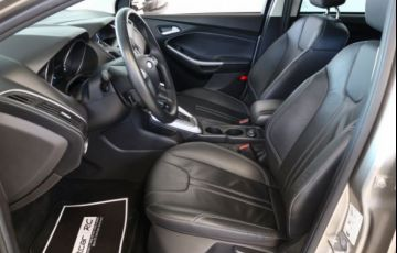 Ford Focus SE 2.0 PowerShift - Foto #9