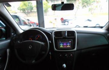 Renault Sandero 1.0 Expression 16v - Foto #9