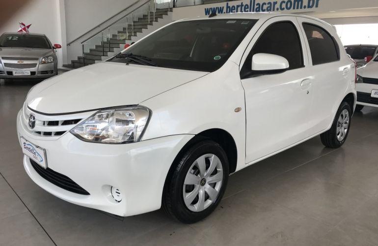 Toyota Etios 1.3 X - Foto #1