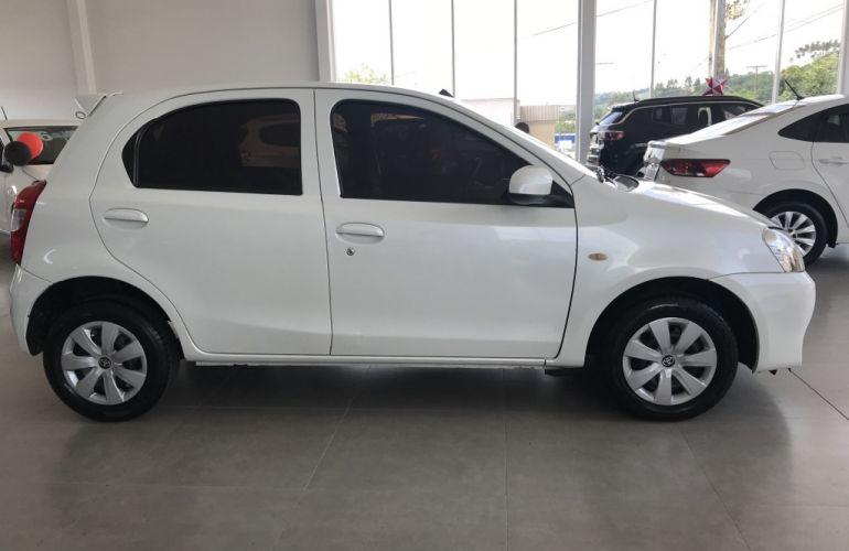 Toyota Etios 1.3 X - Foto #3