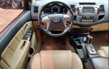 Toyota Hilux SW4 SRV 3.0 4X4(5 lugares) - Foto #9