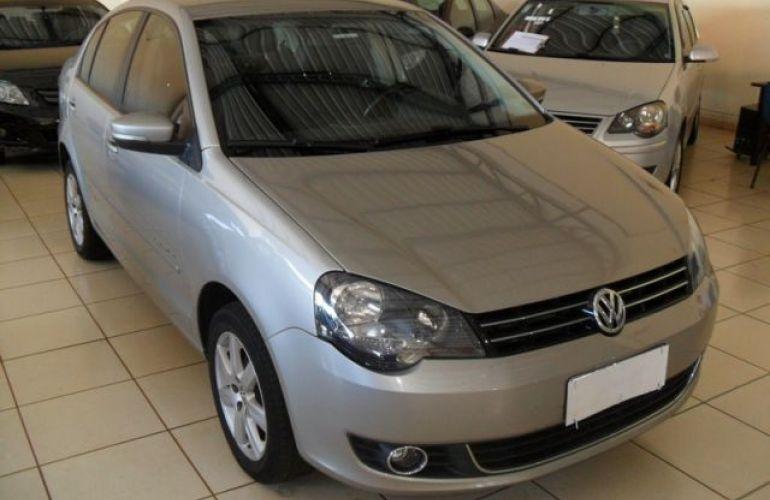 Volkswagen Polo Sedan Comfortline i-Motion 1.6 Mi 8V Total Flex - Foto #3