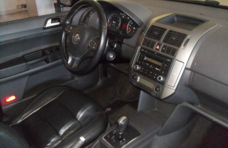 Volkswagen Polo Sedan Comfortline i-Motion 1.6 Mi 8V Total Flex - Foto #5