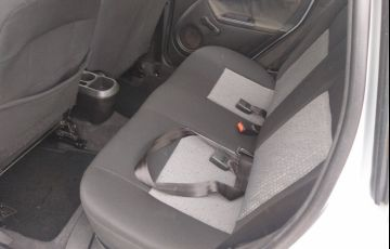 Toyota Etios XLS 1.5 (Flex) - Foto #8