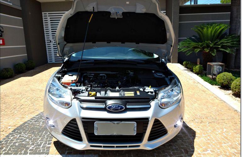 Ford Focus Hatch SE 1.6 16V TiVCT - Foto #7