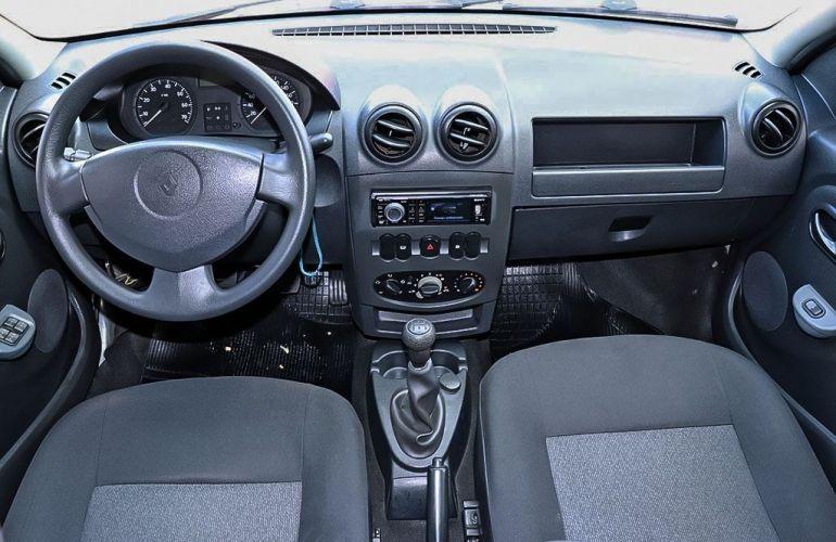 Renault Logan 1.0 Authentique 16v - Foto #5