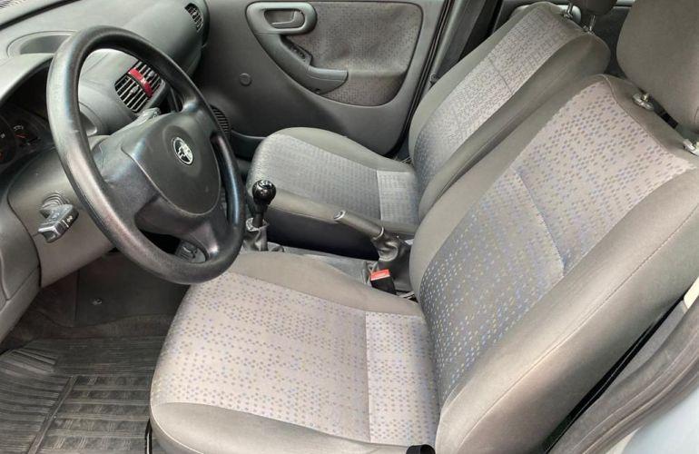 Chevrolet Corsa 1.4 MPFi Maxx Sedan 8v - Foto #10