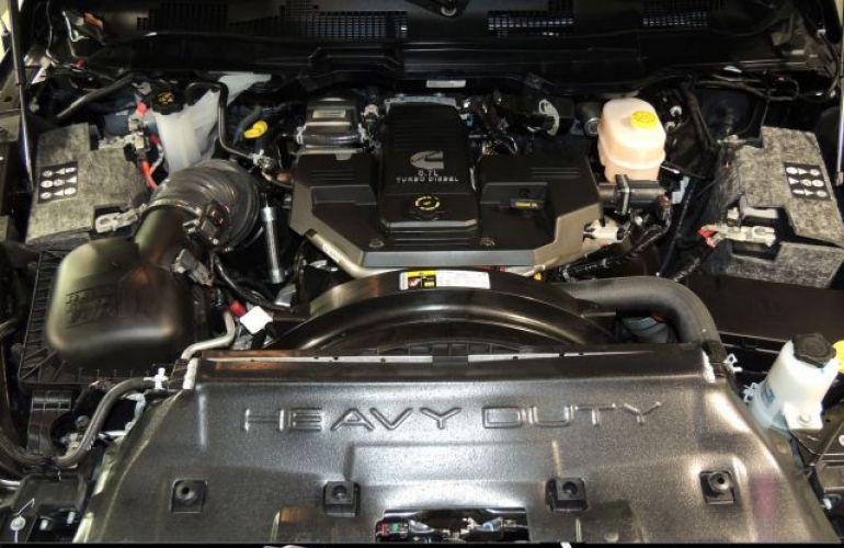 Dodge RAM 2500 Laram 4X4 CD 6 Cilindros 6.7 IE Turbo - Foto #10
