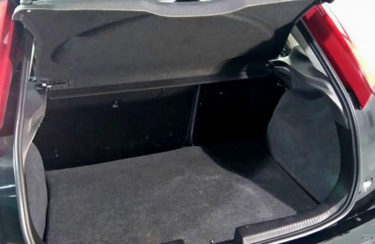 Ford Focus Ghia 2.0 16V - Foto #8