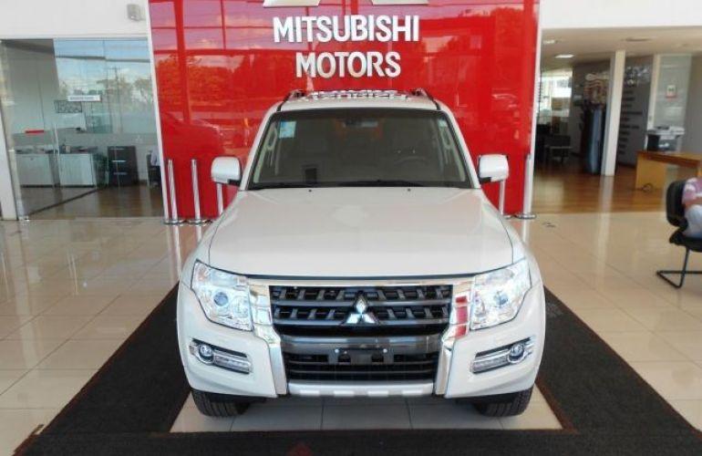 Mitsubishi Pajero Full HPE  DI-D 3D 4WD 3.2 16V - Foto #3