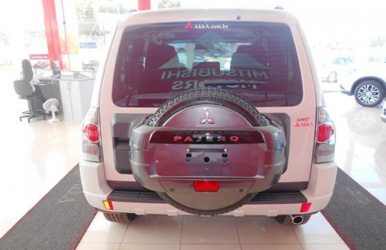 Mitsubishi Pajero Full HPE  DI-D 3D 4WD 3.2 16V - Foto #9