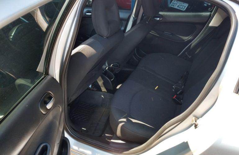 Peugeot 207 Hatch XS 1.6 16V (flex) - Foto #3