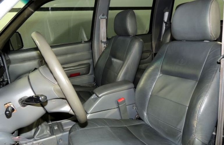 Toyota Hilux SRV 4X4 Cabine Dupla 3.0 Turbo 16V - Foto #7
