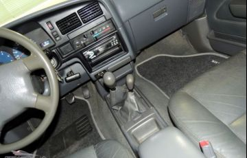 Toyota Hilux SRV 4X4 Cabine Dupla 3.0 Turbo 16V - Foto #10
