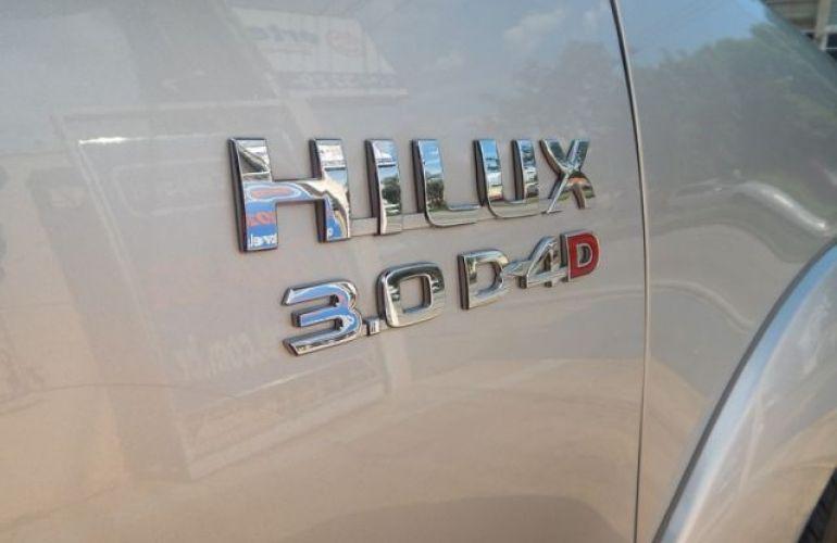 Toyota Hilux SRV 4X4 Cabine Dupla 3.0 Turbo Intercooler 16V - Foto #3