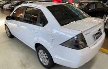 Ford Fiesta 1.6 Rocam SE Sedan 8v - Foto #2