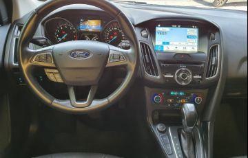 Ford Focus 2.0 Titanium Fastback 16v - Foto #7