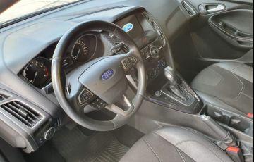 Ford Focus 2.0 Titanium Fastback 16v - Foto #9