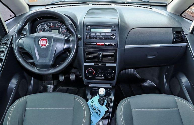 Renault Clio 1.0 Expression Sedan 16v - Foto #5