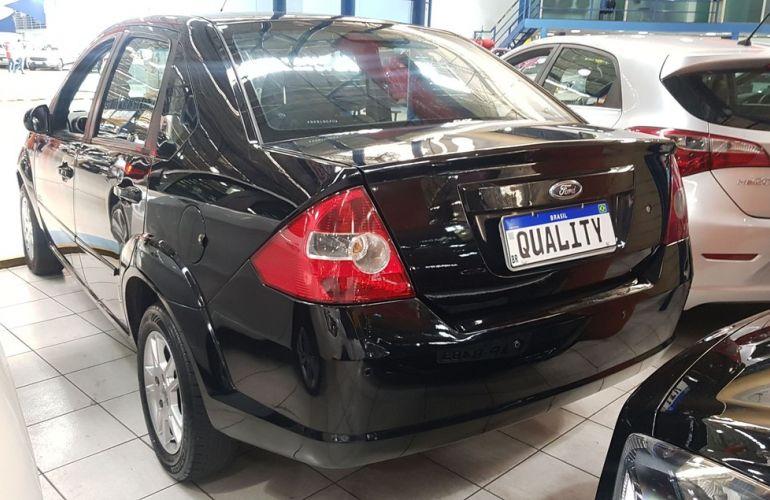 Ford Fiesta 1.0 MPi Sedan 8v - Foto #8
