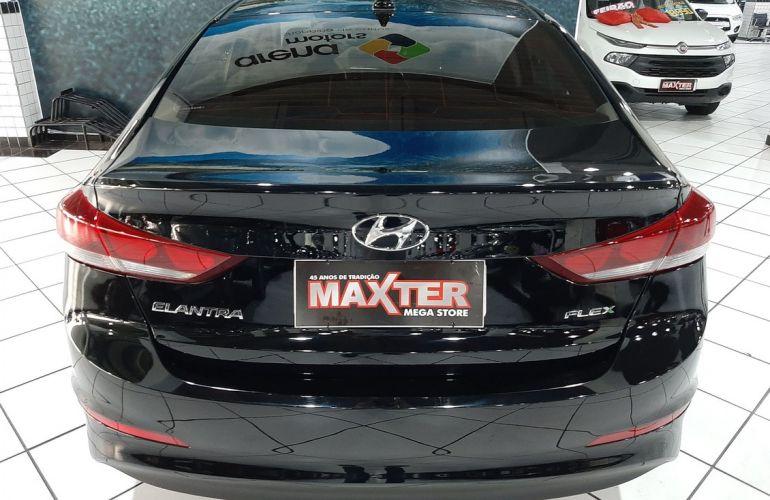 Hyundai Elantra 2.0 16v - Foto #9