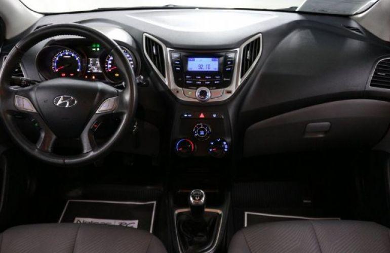 Hyundai HB20S Premium 1.6 16V Flex - Foto #9