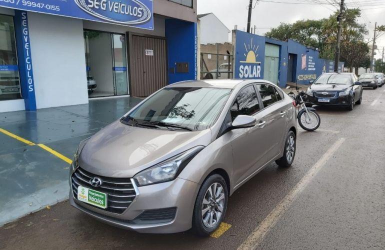 Hyundai HB20S 1.6 Comfort Plus blueMedia - Foto #1