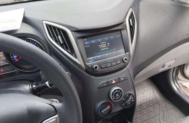 Hyundai HB20S 1.6 Comfort Plus blueMedia - Foto #6