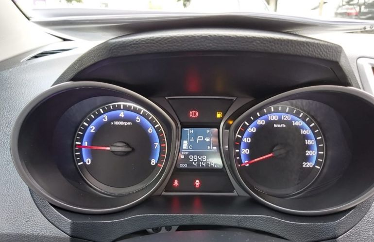 Hyundai HB20S 1.6 Comfort Plus blueMedia - Foto #9