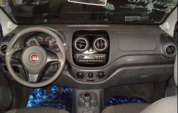 Fiat Palio Attractive 1.0 8V (Flex) - Foto #6