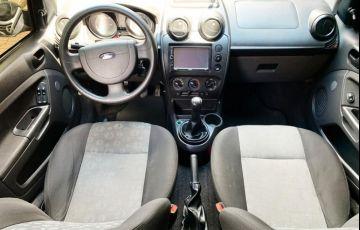 Ford Fiesta 1.0 MPi Hatch 8v - Foto #2